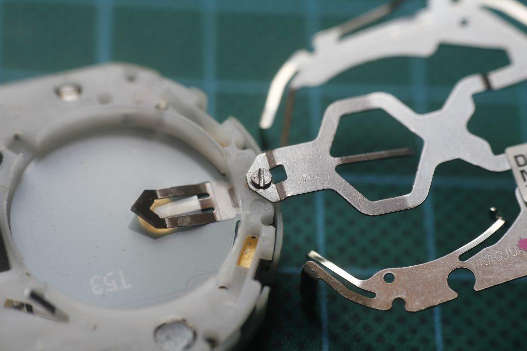 Casio ALT-6200 tornillo pasado de rosca