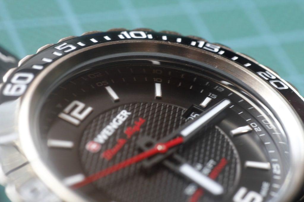 Reloj Wenger Roadster con el cristal limpio
