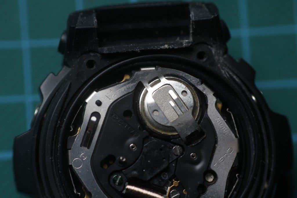 Casio AW-590 - Pila incorrecta
