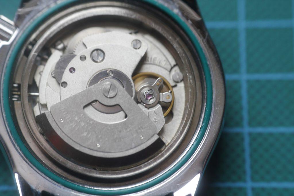 Orient Mako - Abriendo la caja del reloj