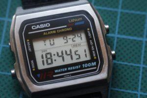 Casio W-780: limpieza de botones