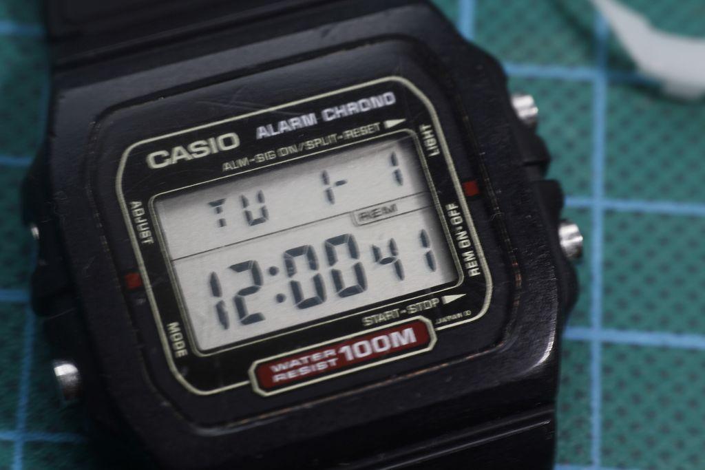 Casio DW271 - Reloj funcionando
