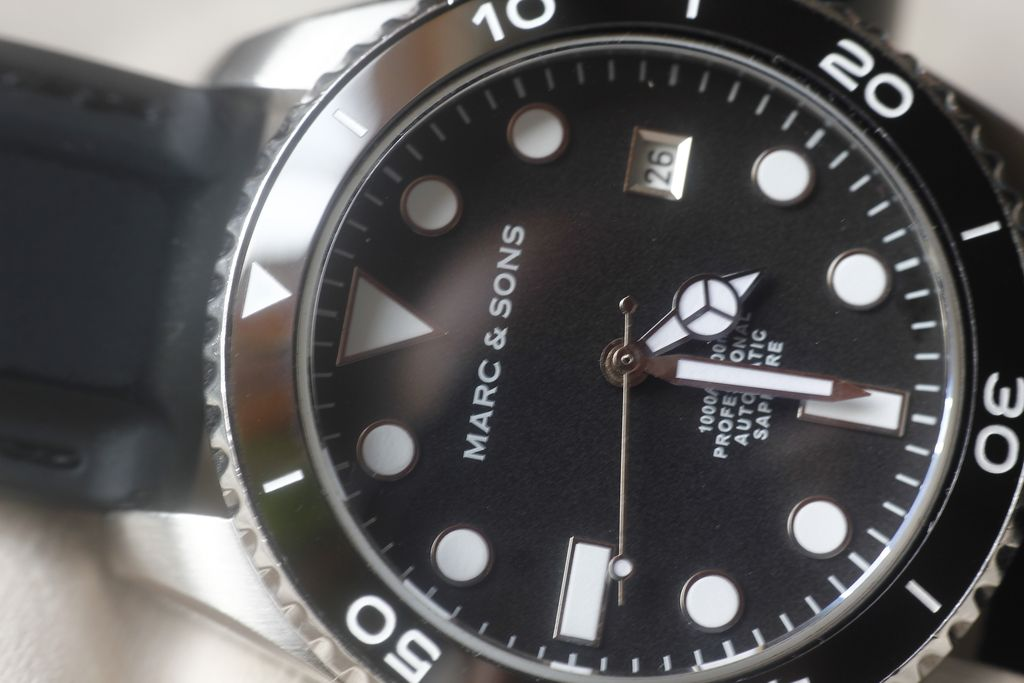 Marc & Sons MSD-023: problems with fast date change 12